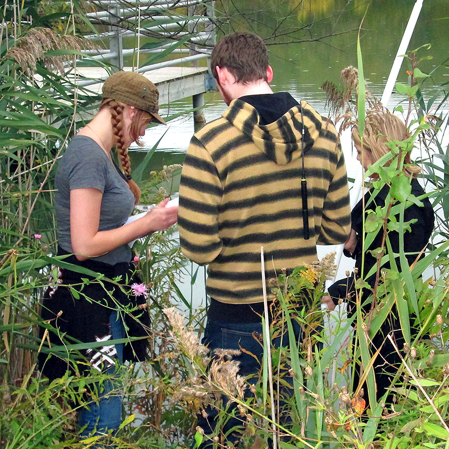 Students particiate in World Water Monitoring Day
